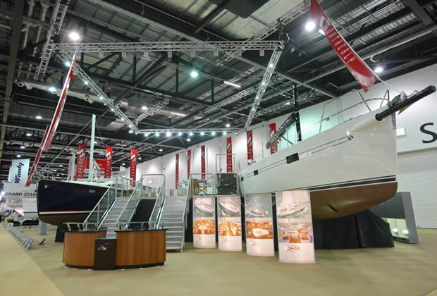 Exhibition Stand Extras : Exhibition stands gallery lighting gantry